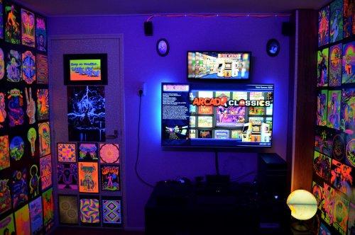 353690922_GameRoom-07.thumb.jpg.6aa737d2a2dc350960ec77400d887306.jpg